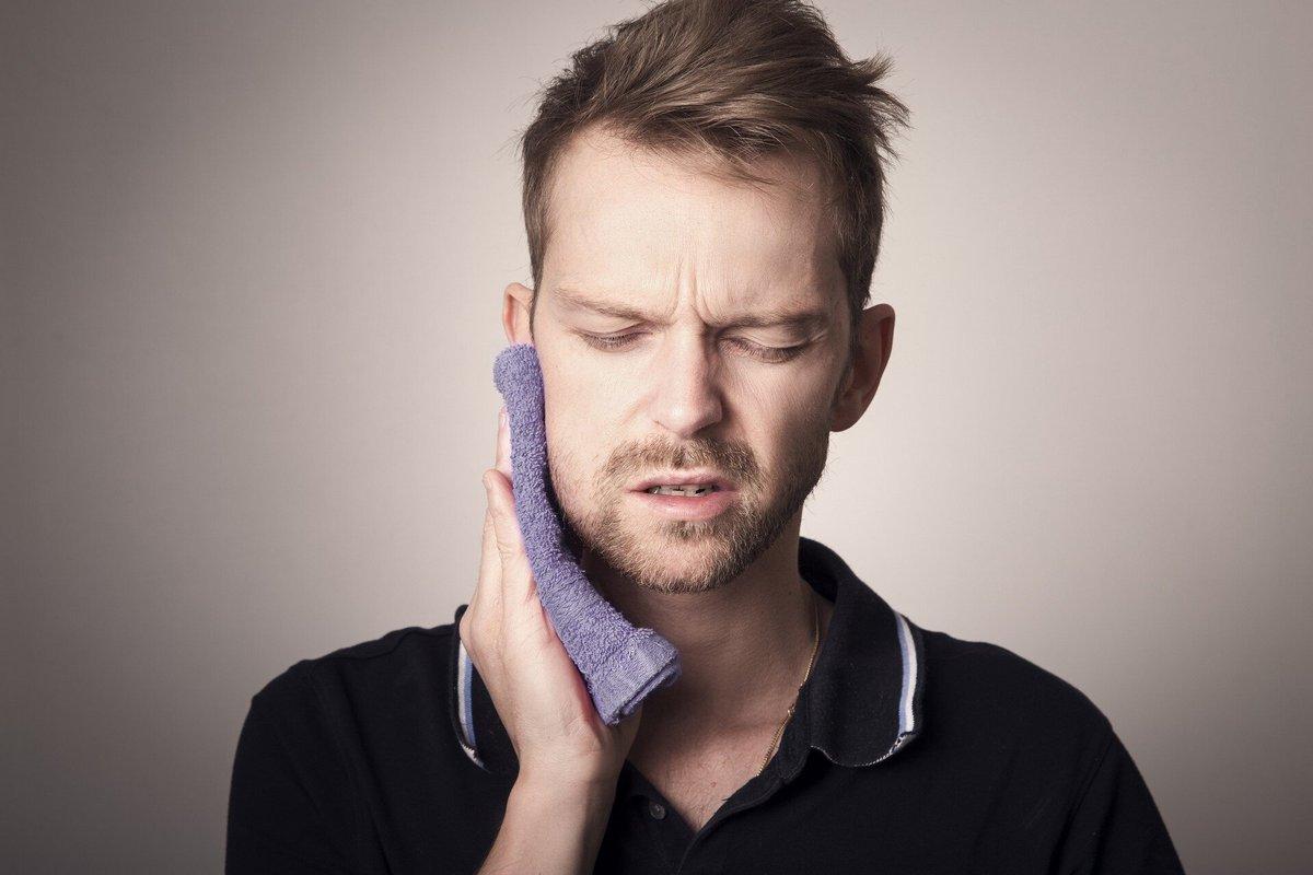 Нужно ли удалять нерв, если болит зуб